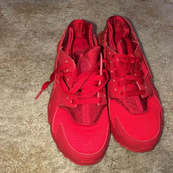 d568b9b8e0 Nike Shoes   Red Huraches   Poshmark